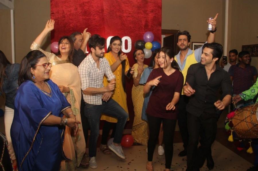 Yeh Hai Mohabbatein,Yeh Hai Mohabbatein completes 1000 episodes,Abhishek Verma,Aditi Bhatia,Divyanka Tripathi,Yeh Hai Mohabbatein 1000 episodes