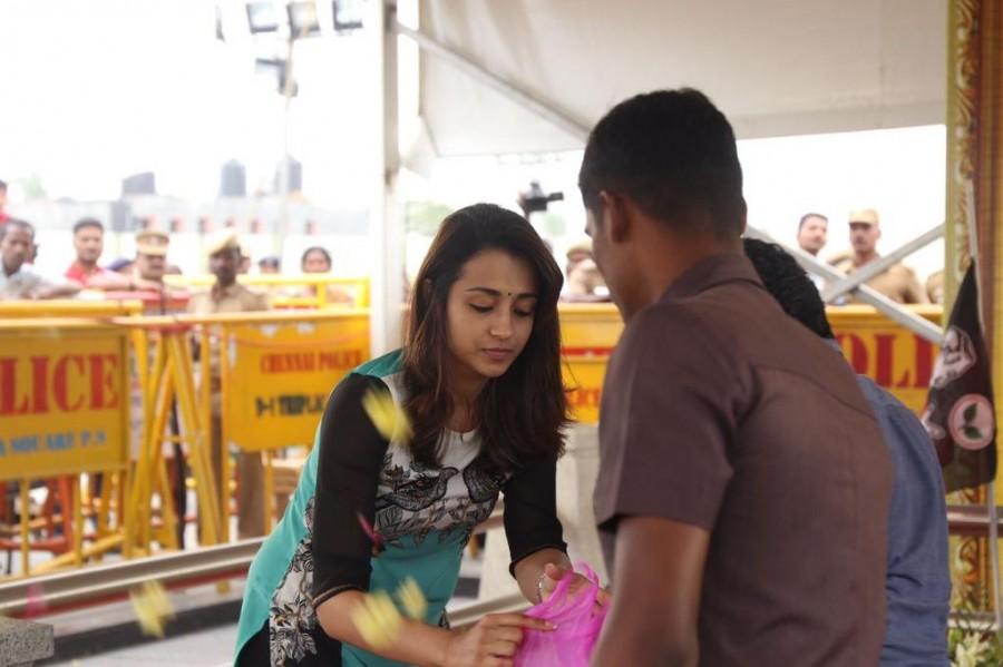 Jayalalithaa,Trisha pays homage to Jayalalithaa,Trisha homage to Jayalalithaa,Jayalalithaa Memorial,Jayalalitha,Trisha,Trisha new pics,Trisha new images,Trisha new photos,Trisha new stills,Trisha new pictures