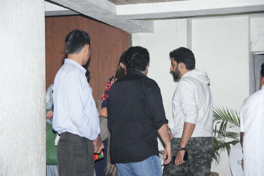 Abhishek Bachchan,Abhishek Bachchan with sister,Sajid Khan,Sajid Khan with sister,Sonali Bendre,Abhishek,Shweta Bachchan,Zoya Akhtar,Sajid Khan,Sonali Bendre Wedding Anniversary,Sonali Bendre Wedding Anniversary pics,Sonali Bendre Wedding Anniversary imag