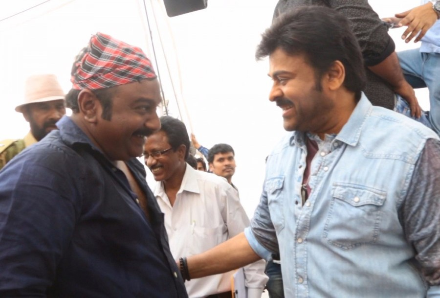 Chiranjeevi,Megastar Chiranjeevi,Khaidi no 150,Telugu movie Khaidi no 150,Khaidi no 150 shooting,Khaidi no 150 shooting wraps up,VV Vinayak,director VV Vinayak,Chiranjeevi turns director