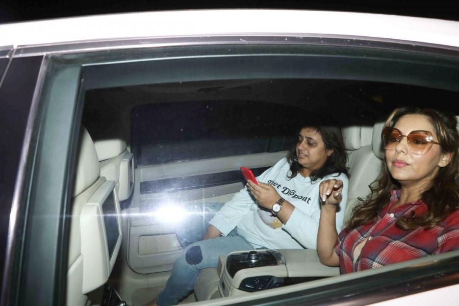 Karan Johar,Gauri Khan,Ranbir Kapoor,Ranbir Kapoor new house,Ranbir Kapoor house,Gauri Khan spotted at Ranbir Kapoor new house