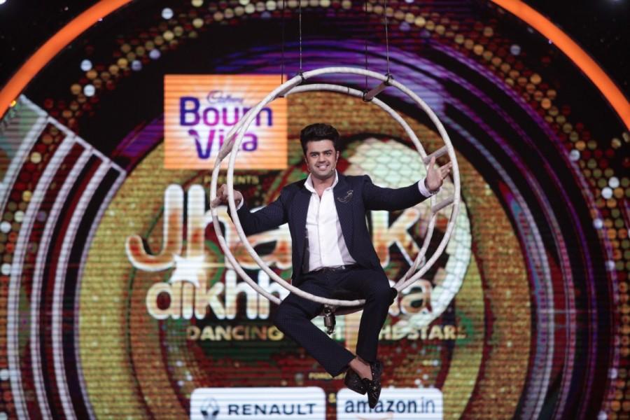 Karan Johar,Jacqueline Fernandez,Farah Khan,Manish Paul,Jhalak Dikhhla Jaa,Jhalak Dikhhla Jaa on the sets,fun moments on Jhalak Dikhhla Jaa,Fun moments of judges
