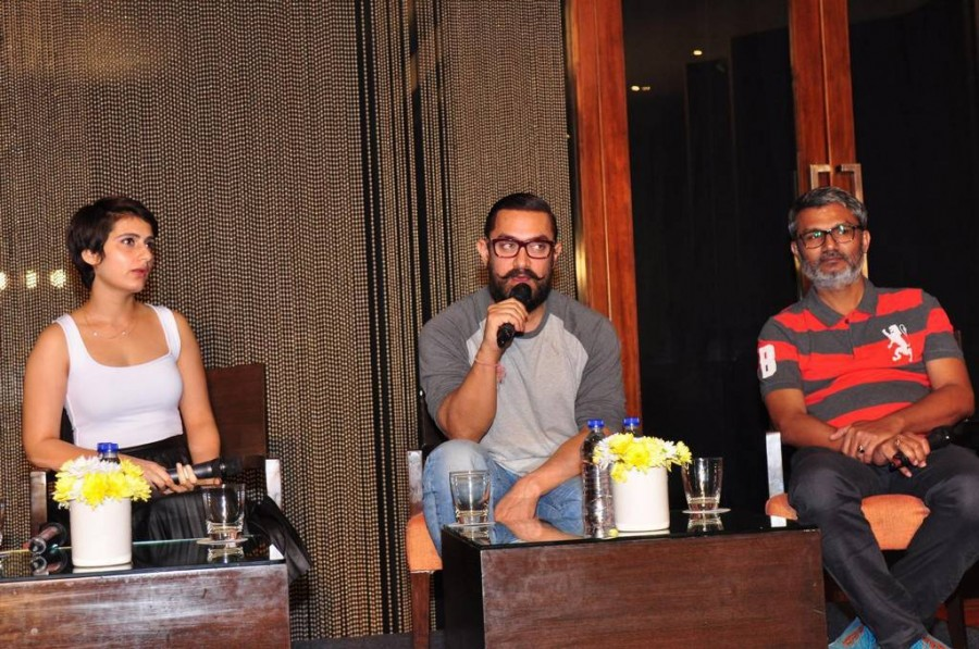 Aamir Khan,Sana Shaikh,Aamir Khan and Fatima Sana Shaikh,Dangal,Dangal Movie Pressmeet,Dangal Pressmeet,Dangal promotions,Dangal Movie promotions