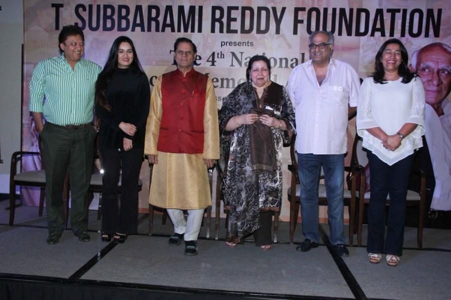 Yash Chopra Memorial Award,Yash Chopra Memorial Award 2016,Shah Rukh Khan,Dr. T. Subbarami Reddy,Subbarami Reddy,SRK,JW Marriot,Hotel JW Marriot