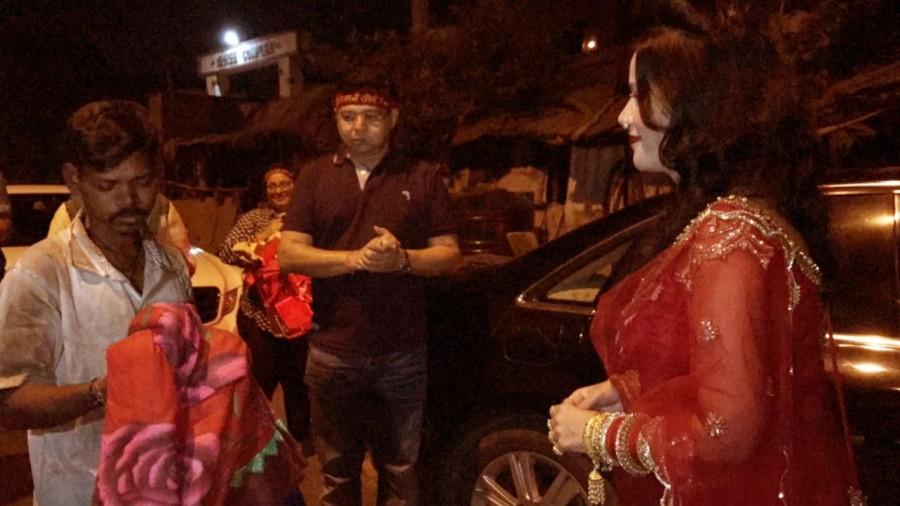 Radhe Maa,Salman Khan,godwoman Radhe Maa,Radhe Maa helps poor people,Radhe Maa pics,Radhe Maa images,Radhe Maa photos,Radhe Maa stills,Radhe Maa pictures
