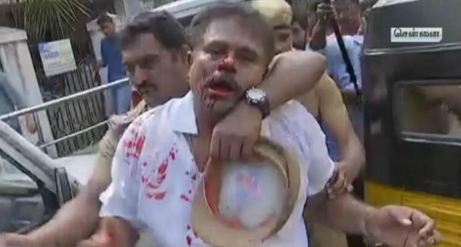 AIADMK,Sasikala Pushpa,Sasikala Pushpa lawyer,AIADMK workers attack lawyer,Royapettah,MP Sasikala Pushpa