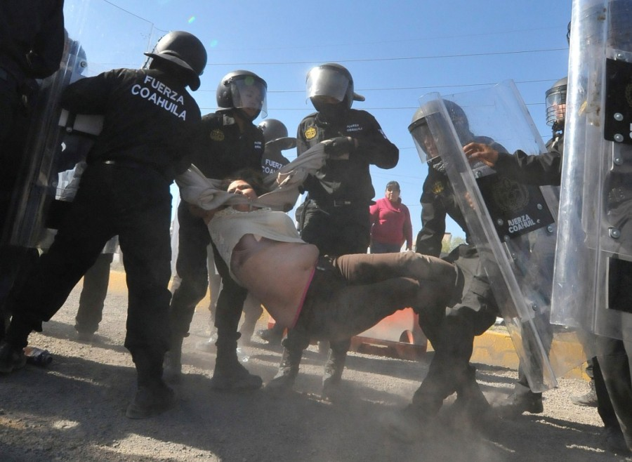Mexicans,Mexico gas price hike,gas price hike,gasoline prices,Latin America,blockaded roads