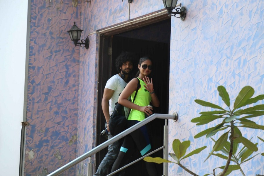 Ileana D'Cruz,Boscos studio,Ileana D'Cruz spotted at Boscos studio,actress Ileana D'Cruz,Ileana D'Cruz latest pics,Ileana D'Cruz latest images,Ileana D'Cruz latest photos,Ileana D'Cruz latest stills,Ileana D'Cruz la