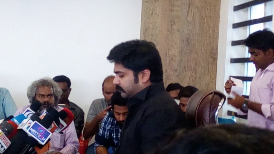 Simbu,actor Simbu,Jallikattu press meet,Jallikattu,Simbu's Jallikattu press meet,Jallikattu press meet pics,Jallikattu press meet images,Jallikattu press meet photos,Jallikattu press meet stills,Jallikattu press meet pictures