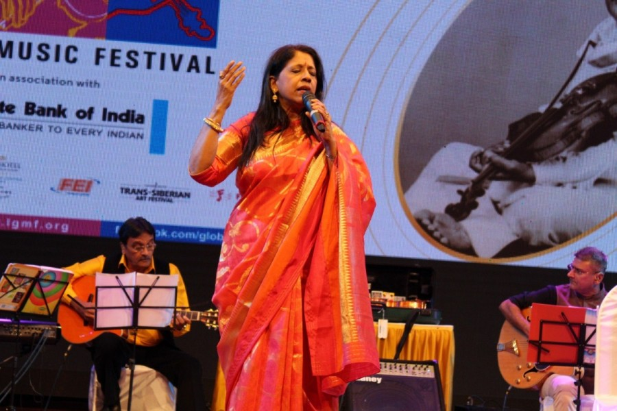 Singer Kavita Krishnamurty,Violinist Dr. L. Subramaniam,Lakshminarayana Global Music Festival 2017,Lakshminarayana Global Music Festival,Lakshminarayana Global Music Festival 2017 pics,Lakshminarayana Global Music Festival 2017 images,Lakshminarayana Glob
