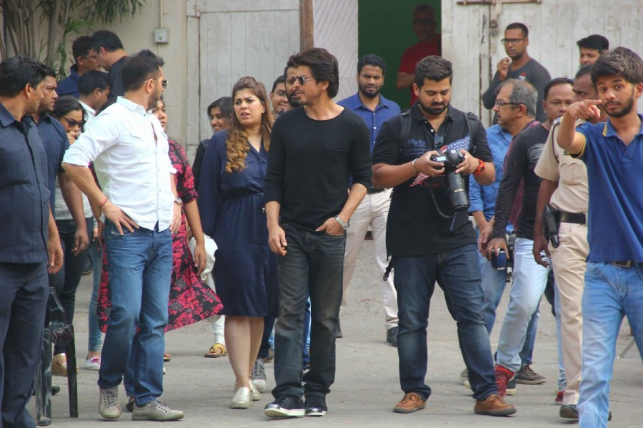 Shah Rukh Khan,actor Shah Rukh Khan,Shahrukh Khan,Shah Rukh Khan at Mehboob studio,Raees,Raees promotions,Raees movie promotions