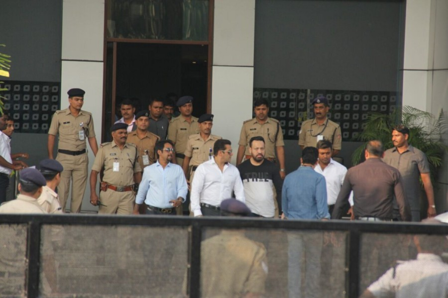 Salman Khan,actor Salman Khan,Arms Act case,Salman Khan Arms Act case,Salman Khan reaches Jodhpur CJM Court,Salman Khan reaches Jodhpur,Salman Khan reaches Jodhpur Court