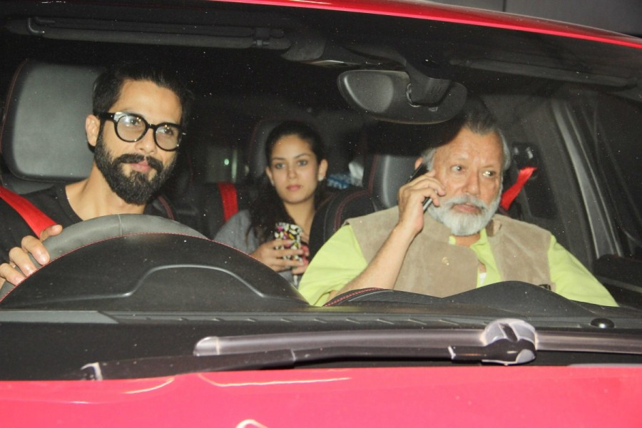 Shahid Kapoor,Shahid Kapoor with family,actor Shahid Kapoor,Rangoon special screening,Rangoon,celebs at Rangoon special screening,Rangoon special screening pics,Rangoon special screening images,Rangoon special screening photos,Rangoon special screening st