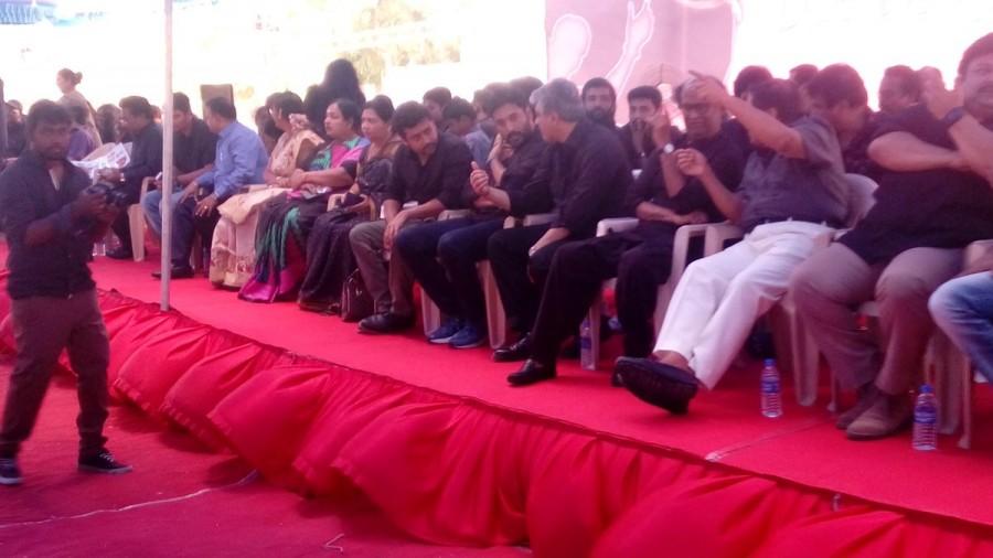 Dhanush,KS Ravikumar,Sivakumar,Nadigar Sangam Jallikattu protest,Nadigar Sangam,Jallikattu protest,Dhanush at Jallikattu protest,Jallikattu protest pics,Jallikattu protest images,Jallikattu protest photos,Jallikattu protest stills,Jallikattu protest pictu