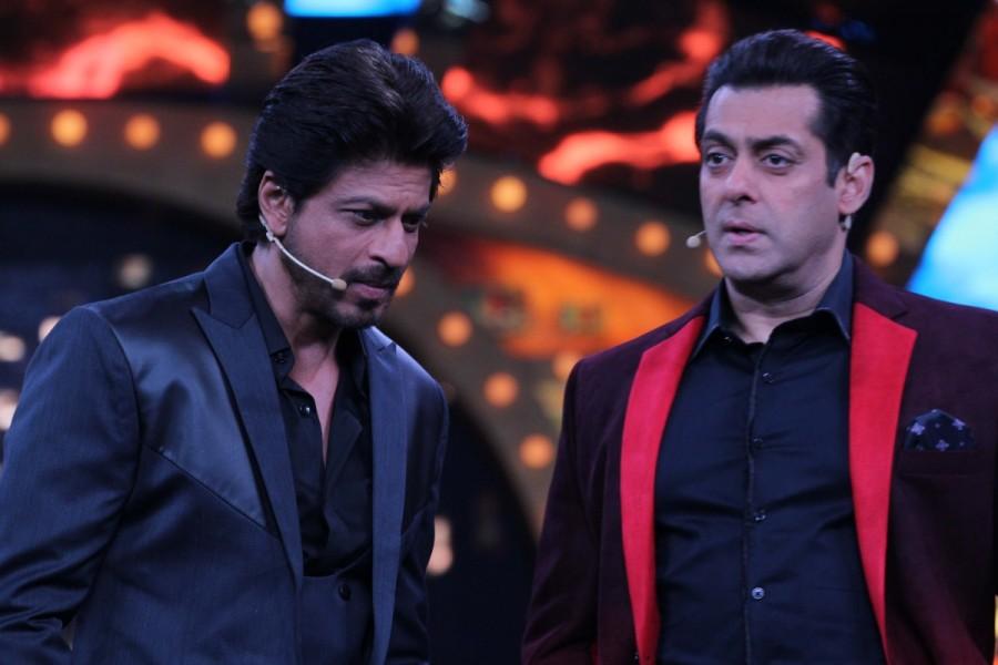 Shah Rukh Khan,Shah Rukh Khan on Bigg Boss 10,Shah Rukh Khan on Bigg Boss,Bigg Boss 10,Salman Khan,Shah Rukh Khan and Salman Khan,Salman Khan and Shah Rukh Khan,Raees,Raees promotion,Raees movie promotion
