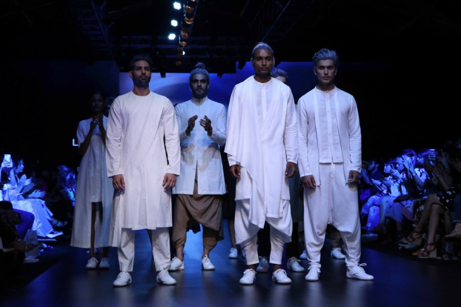 Lakme Fashion Week,Lakme Fashion Week 2017,Lakme Fashion Week pics,Lakme Fashion Week images,Lakme Fashion Week photos,Lakme Fashion Week stills,Lakme Fashion Week pictures,Amit Aggarwal