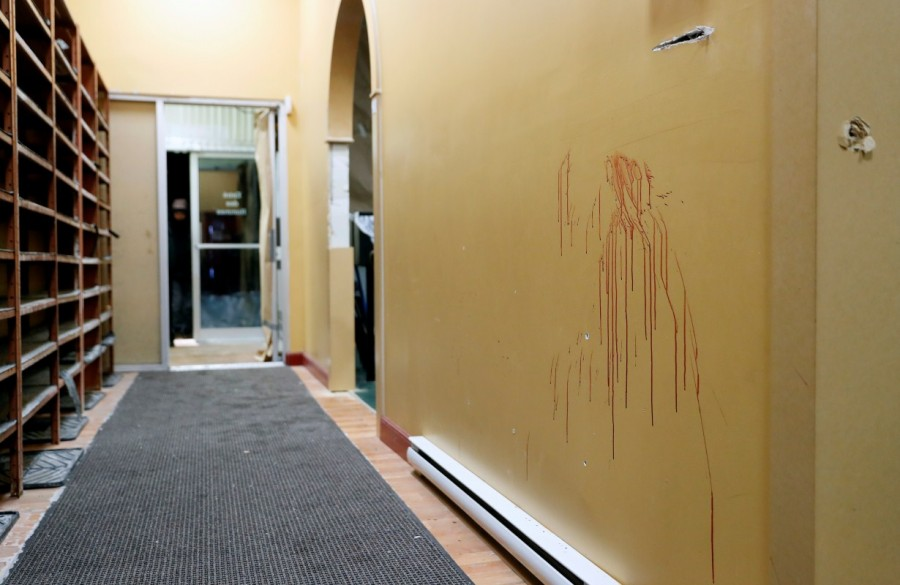 Grim,Grim aftermath,Quebec mosque,Haunting images,Haunting pics,Haunting photos,Centre Culturel Islamique,evening prayers