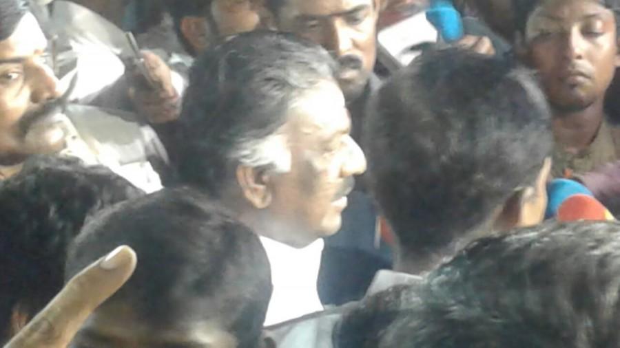 O Panneerselvam,Jayalalithaa burial site,Amma memorial,CM O Panneerselvam,Former Tamil Nadu CM O Panneerselvam,sasikala,Sasikala Natarajan