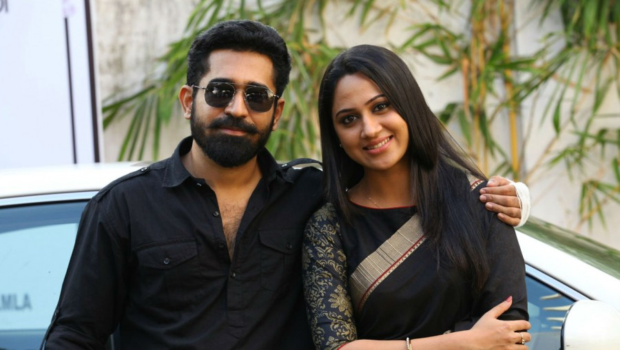 Vijay Antony,Mia George,Yaman,tamil movie Yaman,Yaman movie stills,Yaman stills,Yaman pics,Yaman images,Yaman photos,Yaman movie pics,Yaman movie images,Yaman movie photos