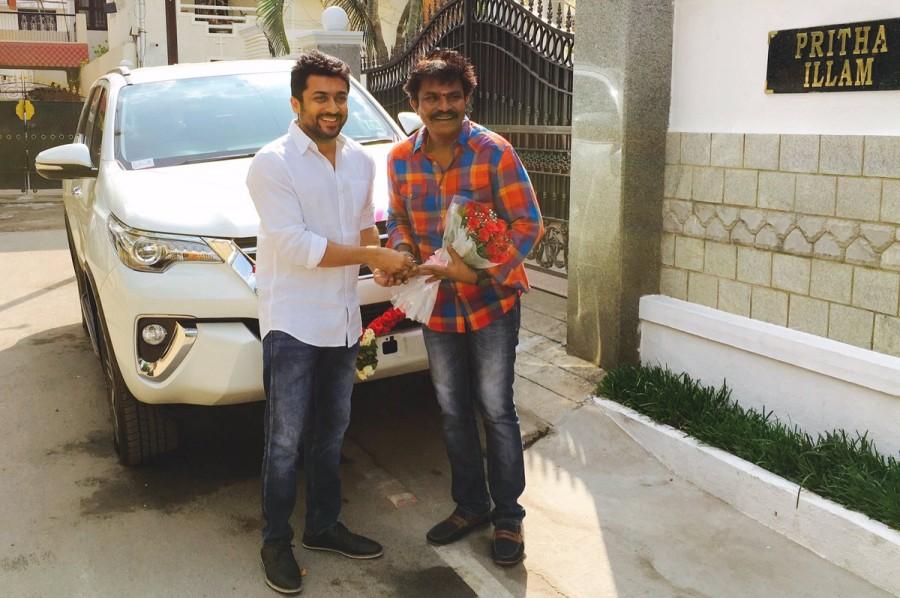 Si3 aka Singam 3,Si3,Singam 3,Si 3,Suriya,actor Suriya,Suriya gifts Toyota Fortuner,director Hari,Hari,Suriya gifts car to Hari