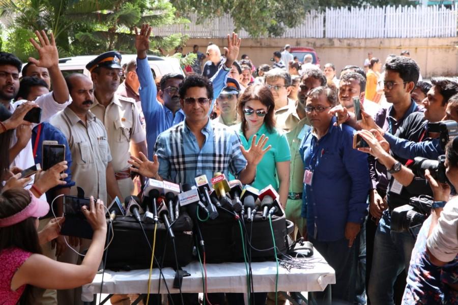 Sachin Ramesh Tendulkar,Sachin,Sachin Tendulkar,Anjali,Anjali Tendulkar,BMC Election 2017,BMC Election,celebs at BMC Election