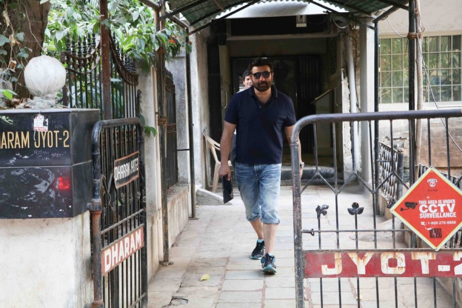 Sunny Deol spotted at Bandra,Sunny Deol at Bandra,actor Sunny Deol,Sunny Deol latest pics,Sunny Deol latest images,Sunny Deol latest photos,Sunny Deol latest stills,Sunny Deol latest pictures