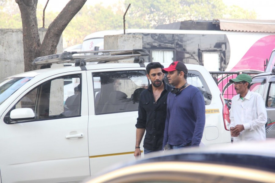 Amit Sadh,Amit Sadh spotted at Bandra,Amit Sadh at Bandra,Sarkar 3,bollywood movie Sarkar 3,Sarkar 3 on the sets,Sarkar 3 sets,Amit Sadh on Sarkar 3
