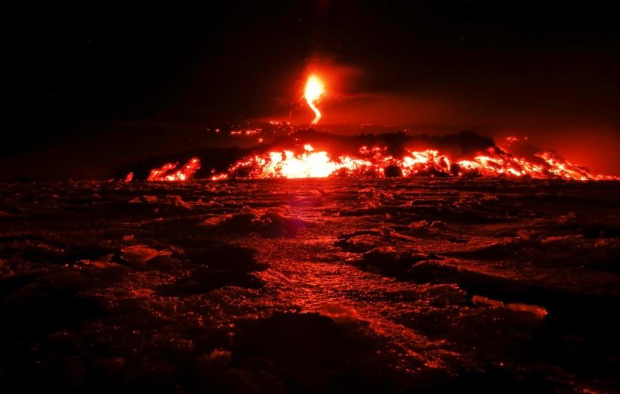 Mount Etna erupts,Mount Etna,Volcano's Eruptions,Volcano Eruptions,Volcano,lava,Italy