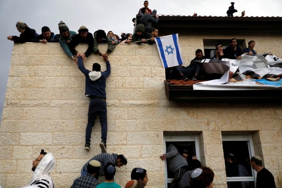 Israel,Israeli police,Palestinian land,West Bank,Ofra