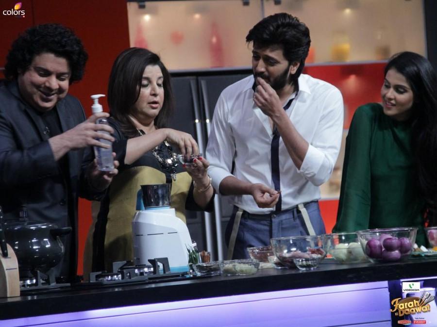 Riteish Deshmukh,Genelia D'Souza,Farah Ki Daawat,Riteish wife Genelia,direcor Sajid Khan,Farah Khan,Farah Khan cookery TV Show,Colors cookery Show photos