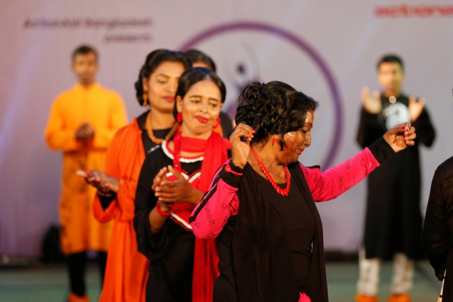 Women's Day,Women's Day special,Acid attack survivors walk the fashion runway,Acid attack walks the ramp,International Women's Day,acid attacks,fashion show