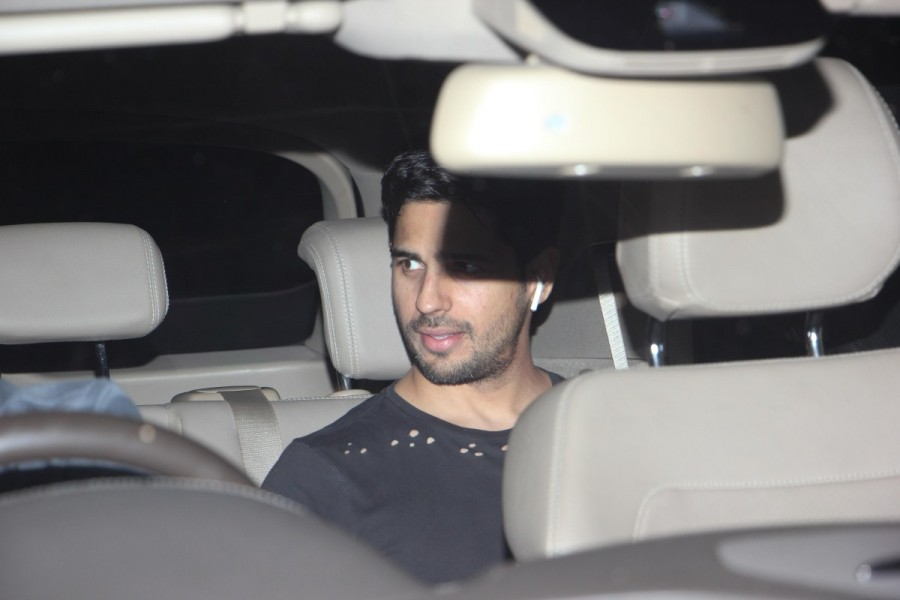 Sidharth Malhotra,actor Sidharth Malhotra,Sidharth Malhotra at Alia Bhatt house,Alia Bhatt house,Alia Bhatt,Sidharth Malhotra  and Alia Bhatt,Sidharth Malhotra  and Alia Bhatt pics,Sidharth Malhotra  and Alia Bhatt images