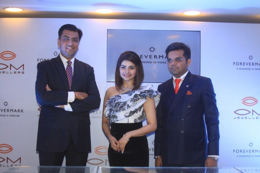 Prachi Desai,Forevermark Jewellery collection,Prachi Desai launches Forevermark Jewellery collection,actress Prachi Desai,Prachi Desai pics,Prachi Desai images,Prachi Desai photos,Prachi Desai stills,Prachi Desai pictures