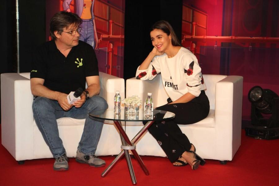 Alia Bhatt,actress Alia Bhatt,Life Sim Experiential Game,Alia Bhatt pics,Alia Bhatt images,Alia Bhatt photos,Alia Bhatt stills,Alia Bhatt pictures