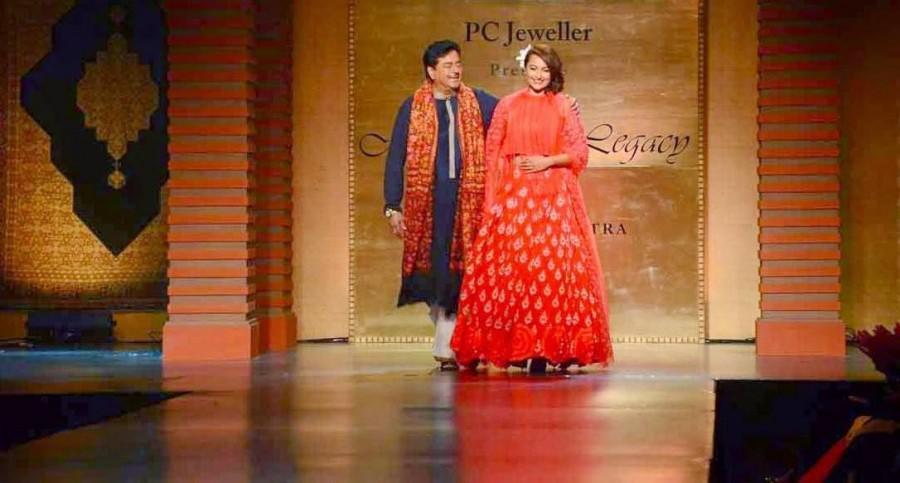 Sonakshi Sinha At Mijwan Red Carpet Event,Sonakshi Sinha,actress Sonakshi Sinha,Sonakshi Sinha latest pics,Sonakshi Sinha pics,Sonakshi Sinha photos,Sonakshi Sinha images,Mijwan Red Carpet,event