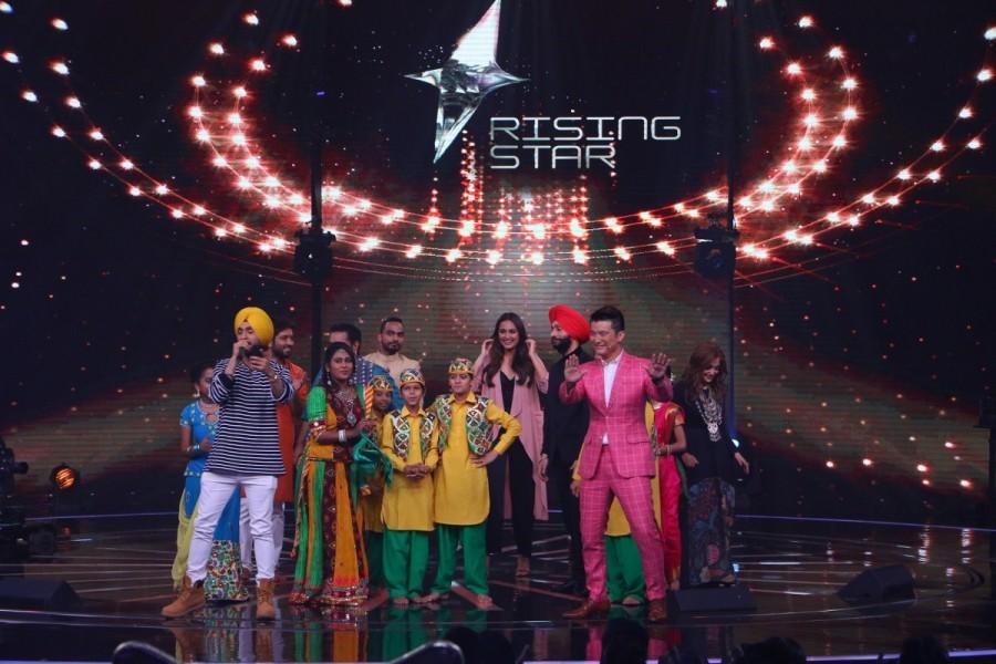 Dabbang girl,Sonakshi Sinha,Rising Star,reality show Rising Star,Noor,Noor promotion,Noor movie promotion,Noor promotion pics,Noor promotion images,Noor promotion stills,Noor promotion pictures