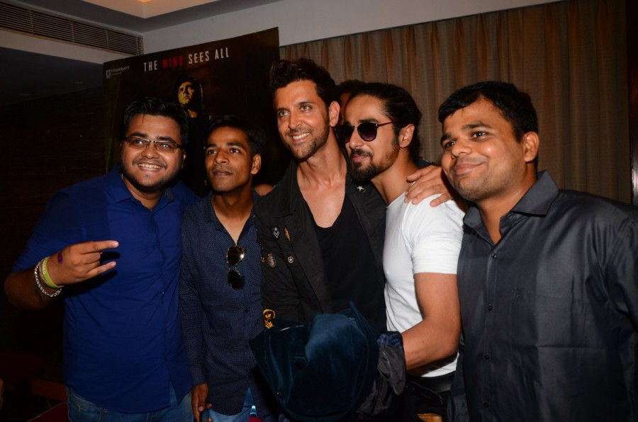 Ronit Roy,Rohit Roy,Hrithik Roshan,Yami Gautam,Rakesh Roshan and filmmaker Sanjay Gupta,Kaabil Meet & Greet,Kaabil,Kaabil sucess meet,Kaabil sucess meet pics,Kaabil sucess meet images,Kaabil sucess meet stills,Kaabil sucess meet pictures