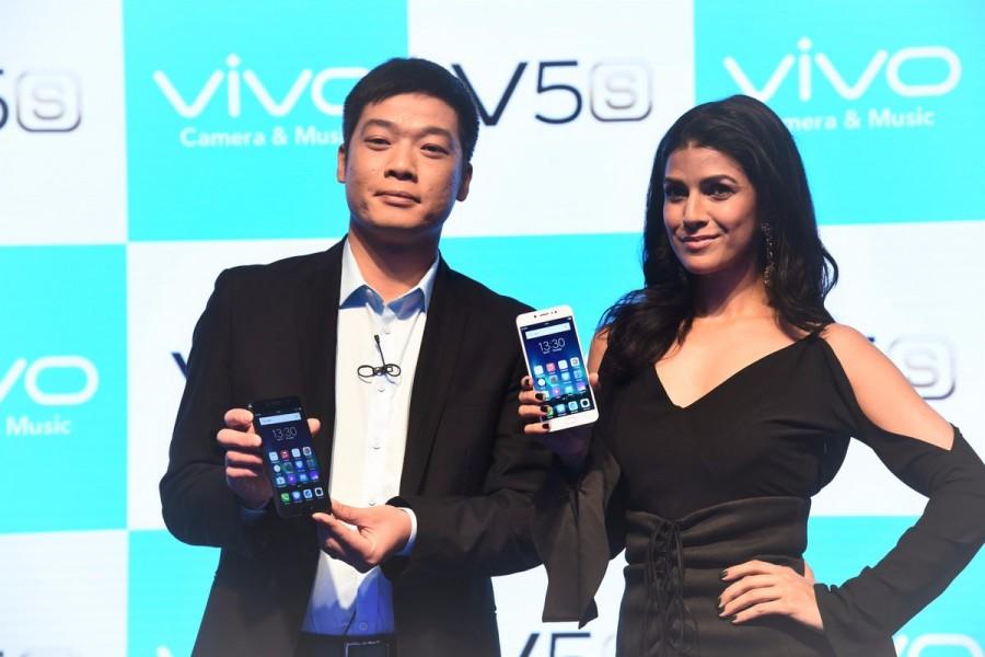 Rochelle Rao,Vivo V5 Smartphone,Vivo V5,Vivo V5 launch,Model Rochelle Rao