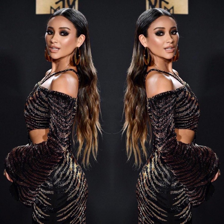 MTV Awards,MTV Awards 2017,Shay Mitchell stuns in Sheer Naked dress,Shay Mitchell in Sheer Naked dress,Shay Mitchell,hot Shay Mitchell,Shay Mitchell hot pics,Shay Mitchell hot images,Shay Mitchell hot stills,Shay Mitchell hot photos,Shay Mitchell hot pict