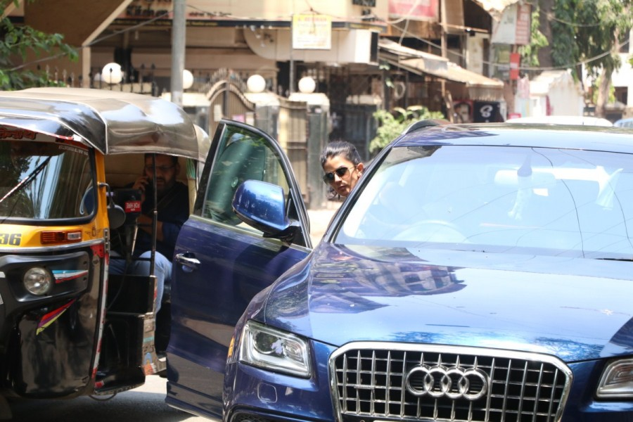 Nimrat Kaur,actress Nimrat Kaur,Nimrat Kaur spotted at Indigo Cafe,Nimrat Kaur at Indigo Cafe,Nimrat Kaur pics,Nimrat Kaur images,Nimrat Kaur stills,Nimrat Kaur pictures,Nimrat Kaur photos,Nimrat Kaur new pics,Nimrat Kaur new images,Nimrat Kaur new stills