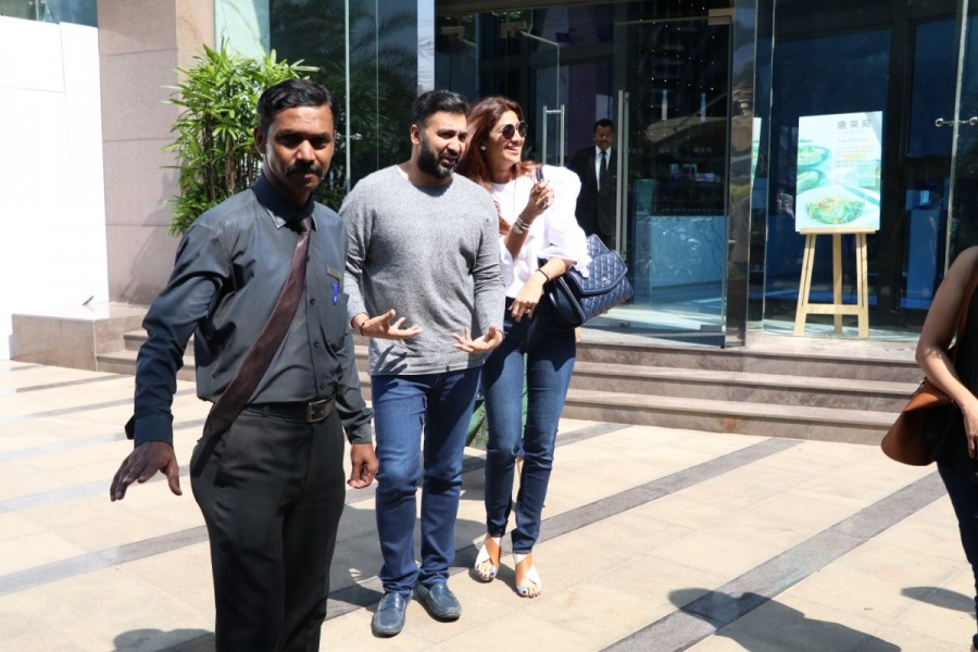 Shilpa Shetty,Raj Kundra,Shilpa Shetty with Raj Kundra,Shilpa Shetty spotted at Yauatcha BKC,Raj Kundra spotted at Yauatcha BKC,Shilpa Shetty and Raj Kundra