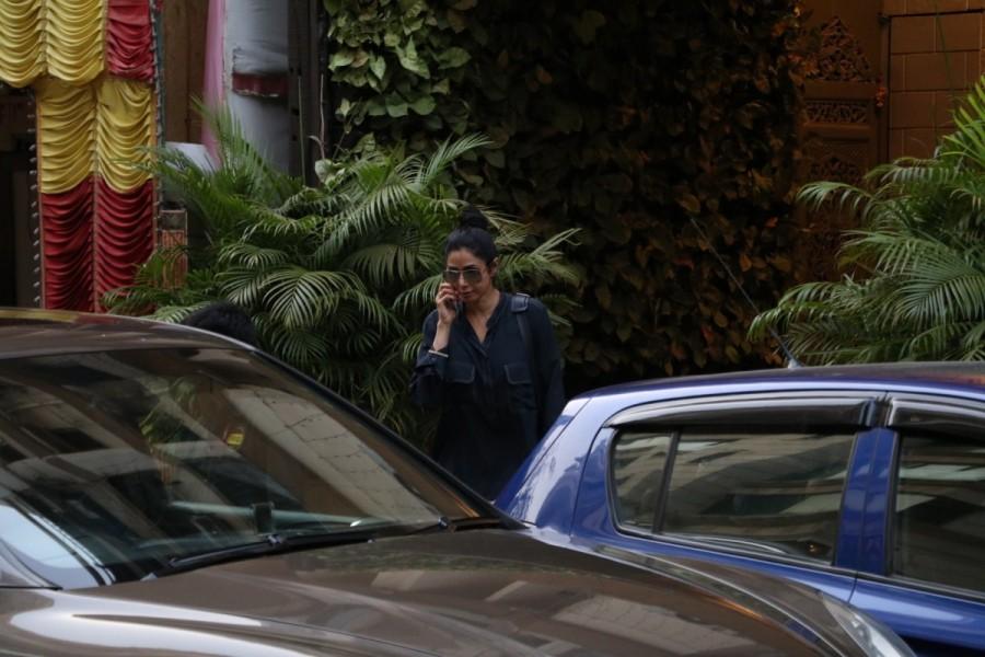 Sridevi Kapoor,actress Sridevi Kapoor,bollywood actress Sridevi Kapoor,Sridevi Kapoor shops at Manish Malhotra's store,Sridevi Kapoor pics,Sridevi Kapoor images,Sridevi Kapoor stills,Sridevi Kapoor pictures,Sridevi Kapoor photos