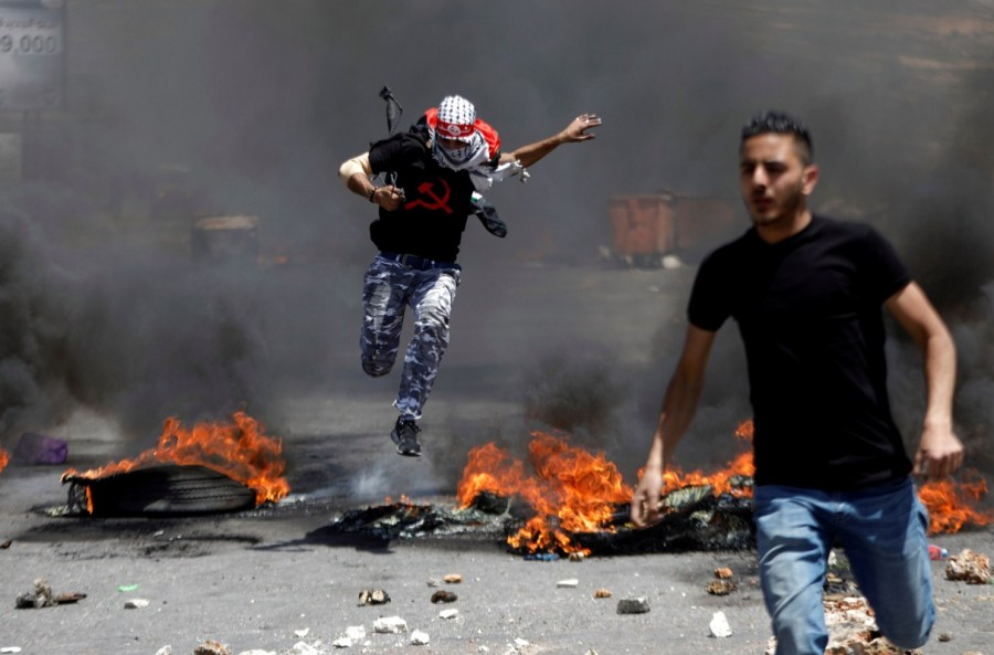 Palestinians protest,Palestinians and Israeli forces,Israeli forces,Israel,Israel formation,israel-palestine conflict