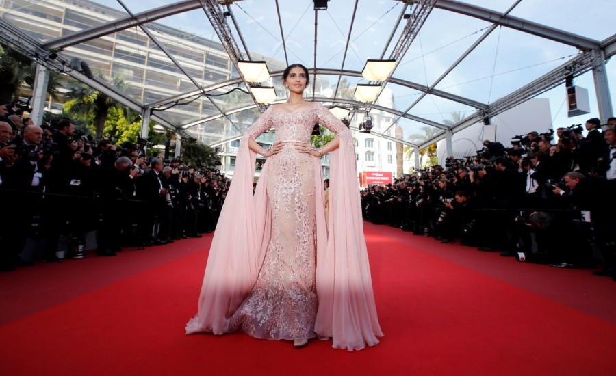 Cannes 2017,Fashion queen Sonam Kapoor,Sonam Kapoor,Sonam Kapoor at Cannes 2017,Sonam Kapoor at Cannes,Sonam kapoor at Cannes film festival,actress Sonam Kapoor,Sonam Kapoor new pics,Sonam Kapoor new images,Sonam Kapoor new stills,Sonam Kapoor new picture