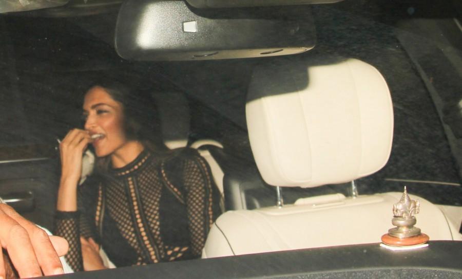 Deepika Padukone,actress Deepika Padukone,Deepika Padukone at Karan Johar birthday bash,Deepika Padukone at Karan Johar birthday bash pics,Deepika Padukone at Karan Johar birthday bash images,Deepika Padukone at Karan Johar birthday bash stills,Deepika Pa