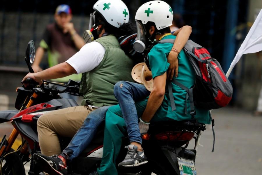 Venezuela,Venezuela protest medics,rubber bullets,tear gas,President Nicolas Maduro