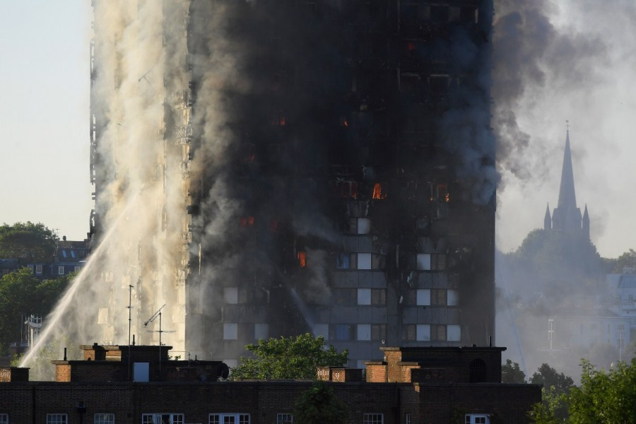 London apartment building,London apartment,West London apartment fire,massive fire in London,massive fire in London apartment building,massive fire in London apartment