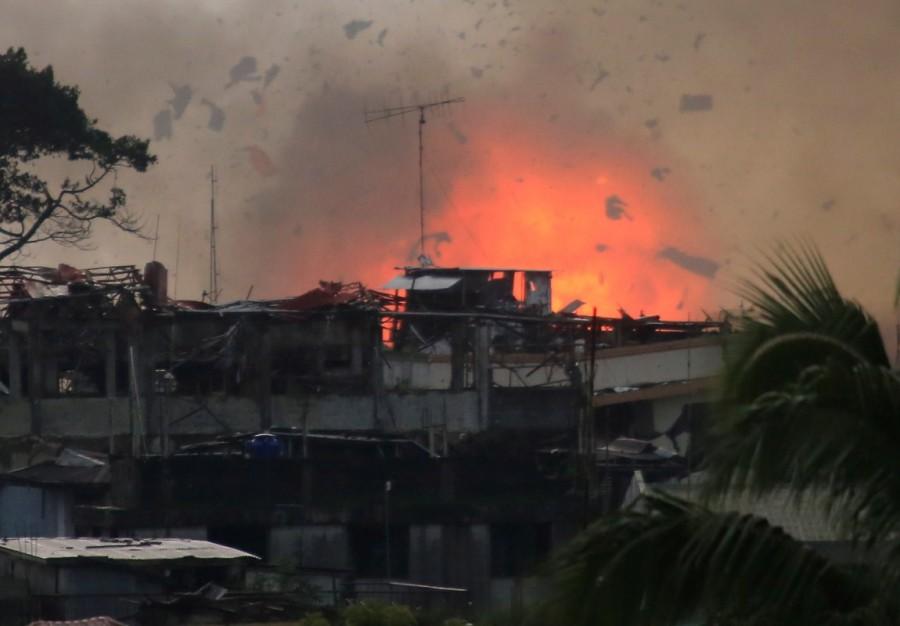 Philippine city,Philippine aircraft,Philippine troops,Islamist militants,Eid festival