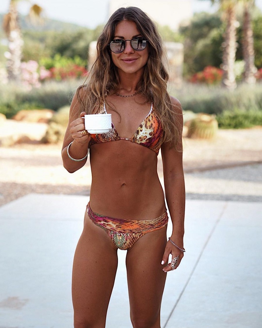 Louise Thompson,Louise Thompson bikini pics,Louise Thompson bikini images,Louise Thompson bikini stills,Louise Thompson curves,Louise Thompson curves pics,Louise Thompson flaunts curves,Louise Thompson curves pics,Louise Thompson curves images,Louise Thom