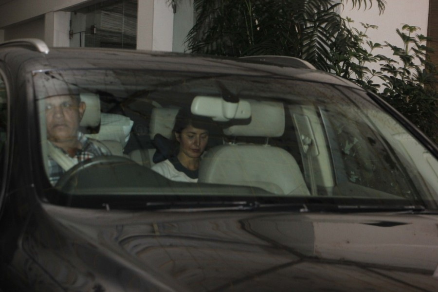 Katrina Kaif,actress Katrina Kaif,Katrina Kaif spotted at recording studio,Katrina Kaif spotted at Juhu,Katrina Kaif new pics,Katrina Kaif new images,Katrina Kaif new stills,Katrina Kaif new pictures,Katrina Kaif new photos